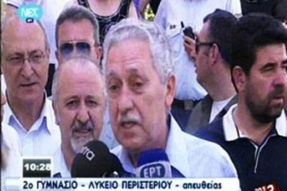 Βουλευτικές εκλογές 2012: Ψήφισε ο Φώτης Κουβέλης (vid)
