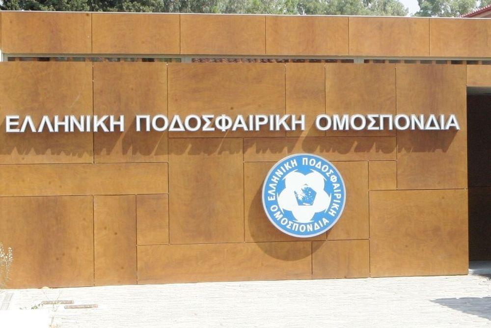 «Το ελληνικό ποδόσφαιρο πενθεί για τον Αλκέτα Παναγούλια»
