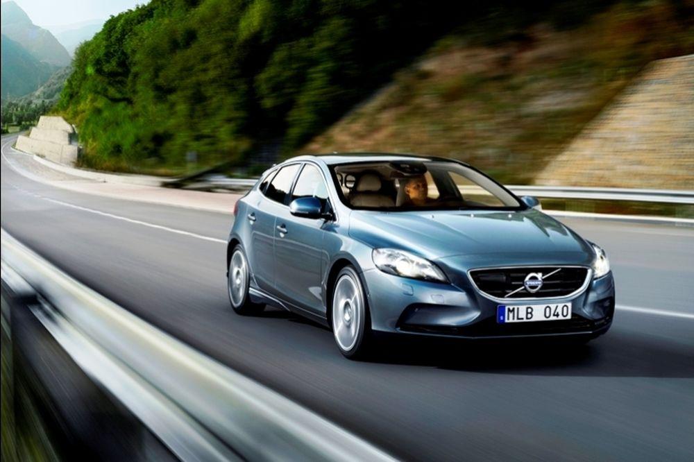 Το νέο Volvo V40 από 21.070 ευρώ με απόσυρση