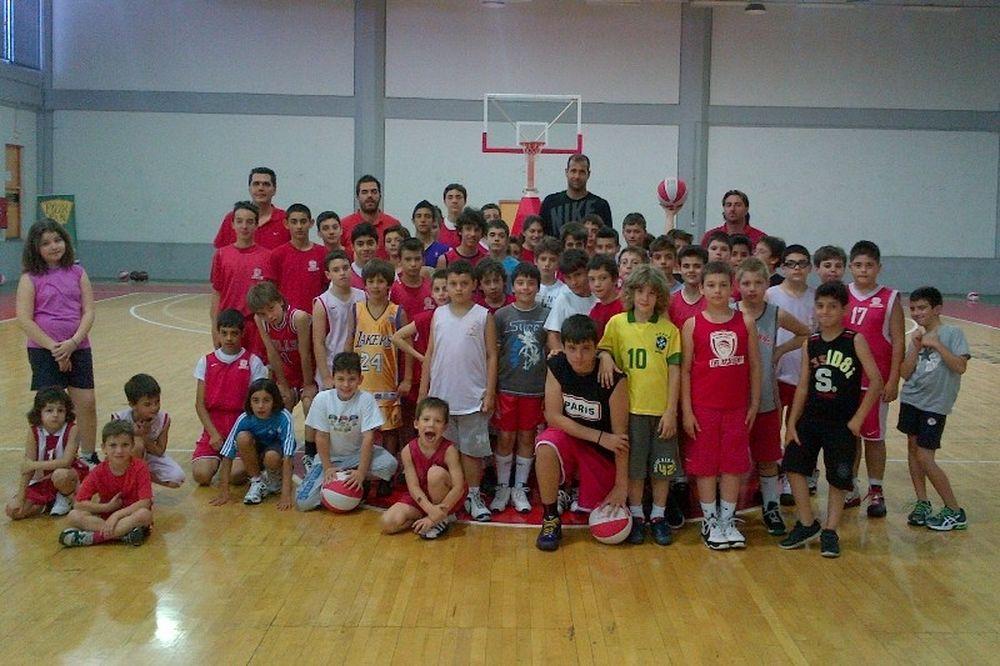 Στο 2o Olympiacos Summer Basketball Camp ο Γλυνιαδάκης