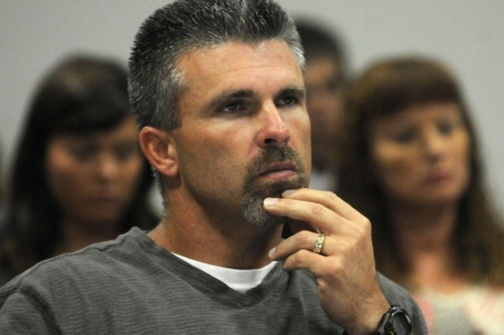 Δικαστήριο για τον Chad Curtis