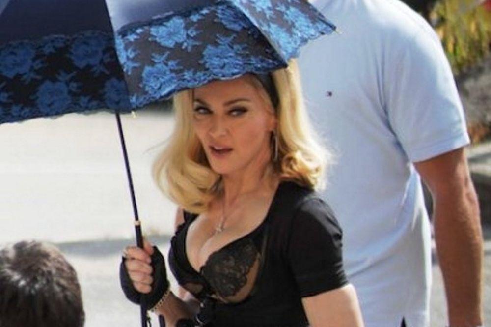 Ποιος προσπαθεί να κλέψει το dna της Madonna;