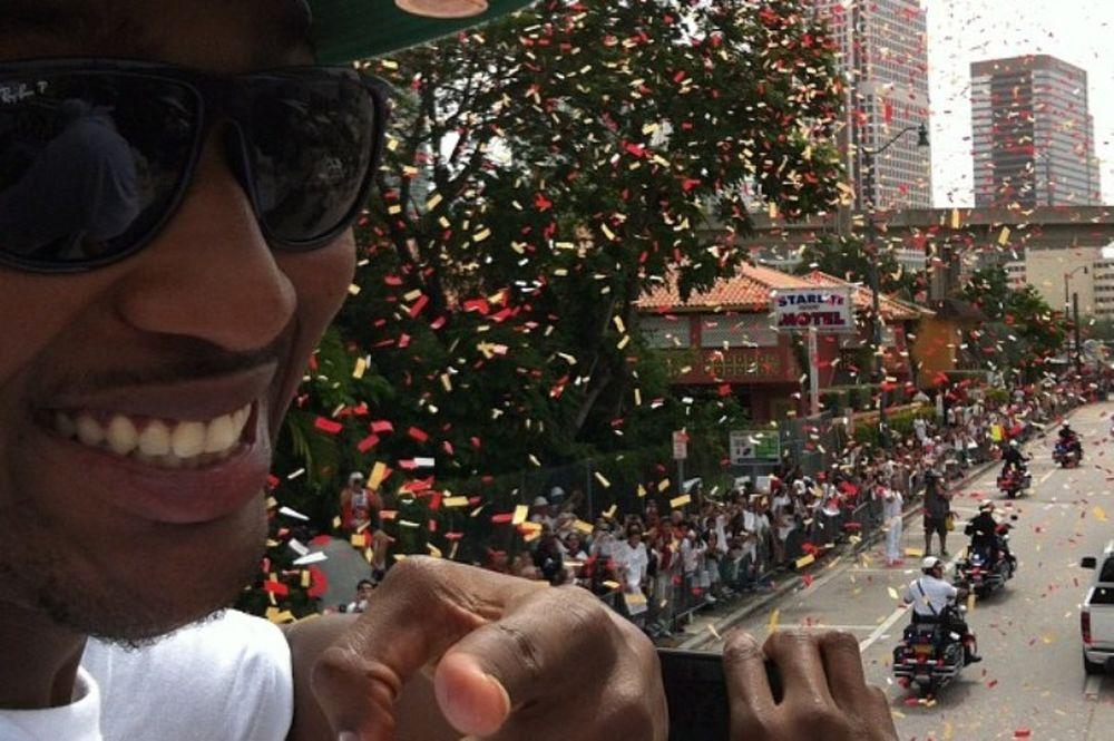 Η παρέλαση των Χιτ στο Μαϊάμι (photos+video)