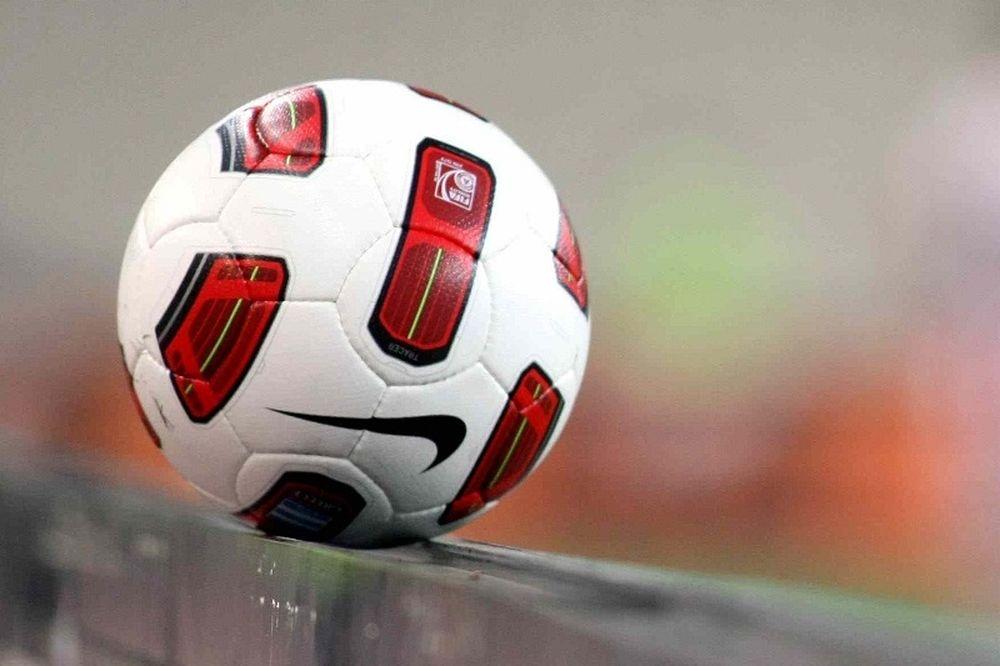 «Εμφύλιος» για την άνοδο στην Football League