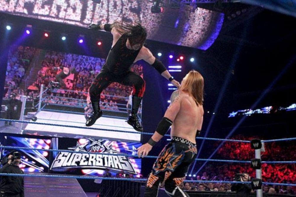 Έβαλε… φωτιές ο Kane στο Superstars