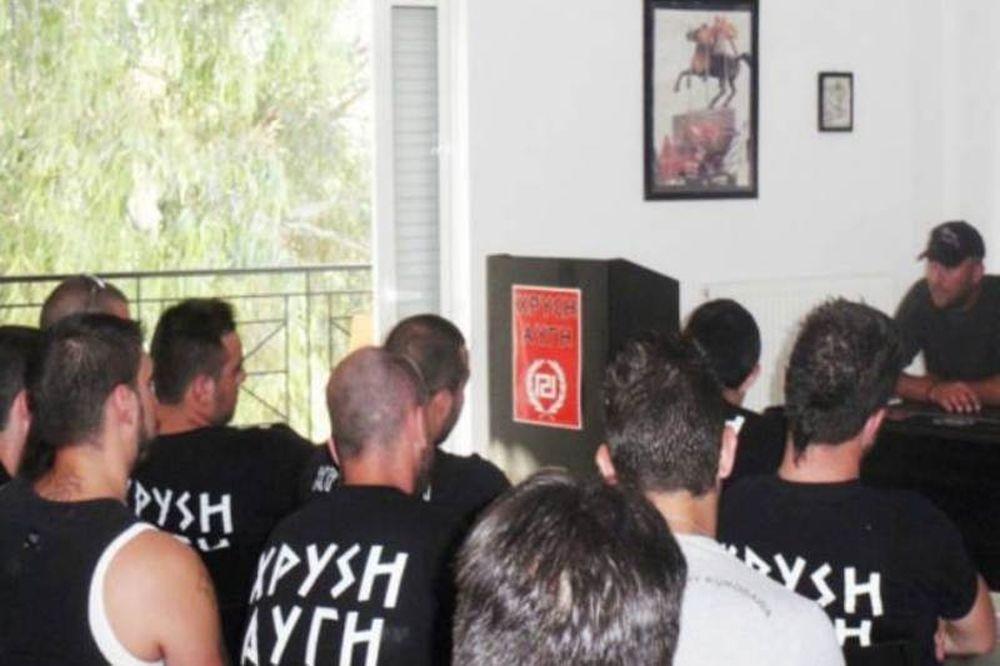 Η εκπαίδευση της ομάδας Περιφρούρησης της Χρυσής Αυγής (photos)