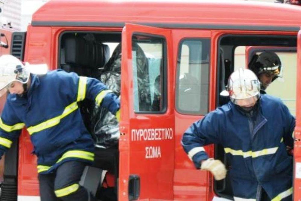 Νεκρός στην Πειραιώς από πυρκαγιά σε χρωματοπωλείο