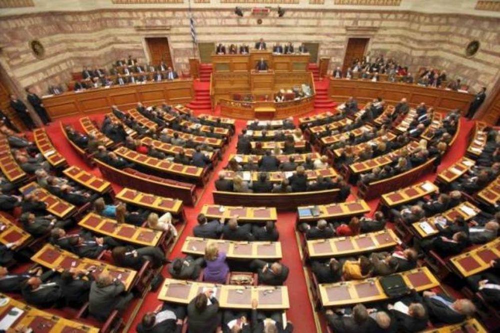 Αποχώρησαν ΣΥΡΙΖΑ, ΚΚΕ και ΔΗΜ.ΑΡ από την Ολομέλεια, λόγω Μιχαλολιάκου