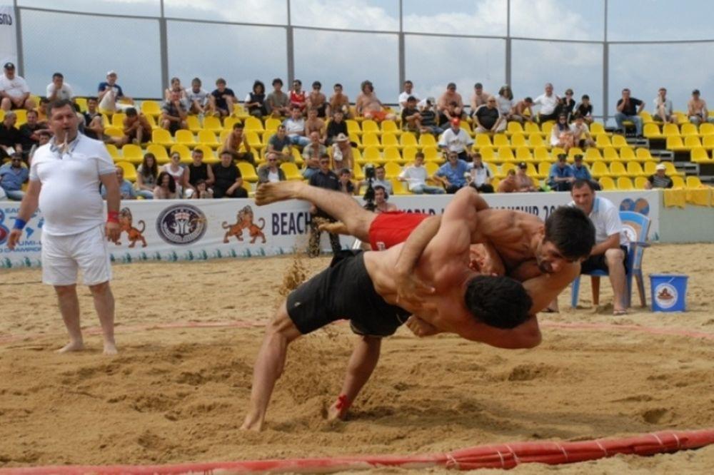 LIVE WEB TV: Ο τελικός του Πανελλήνιου Πρωταθλήματος Πάλης στην άμμο