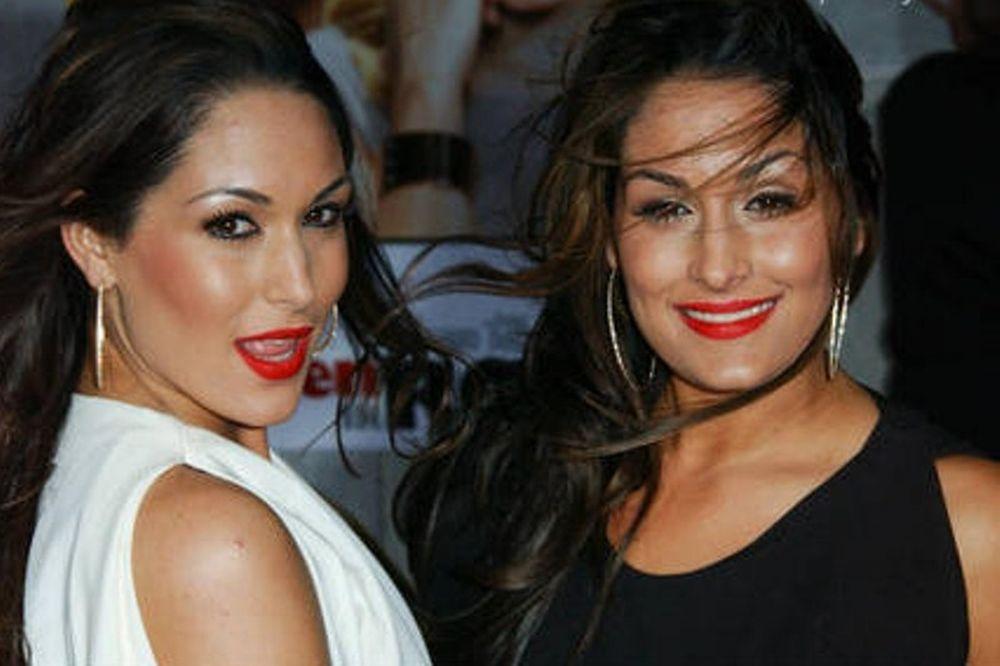 Στο Λας Βέγκας οι Bella Twins (photos)