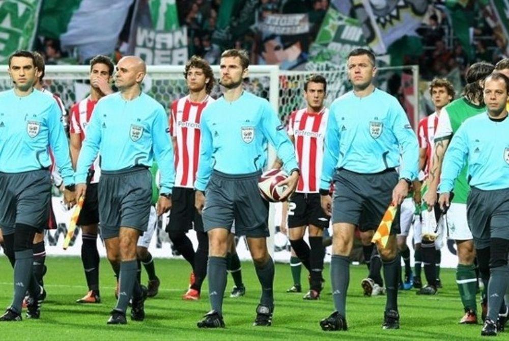 Συνεχίζει με πέντε διαιτητές η UEFA