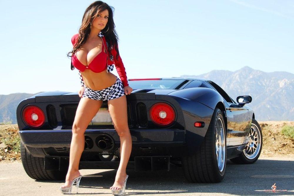 Για μια γυναίκα και ένα αυτοκίνητο! (photos)