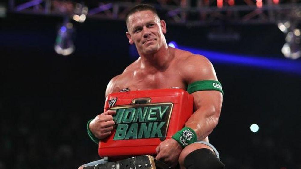 Πήρε τη βαλίτσα στο MiTB ο Cena (photos)