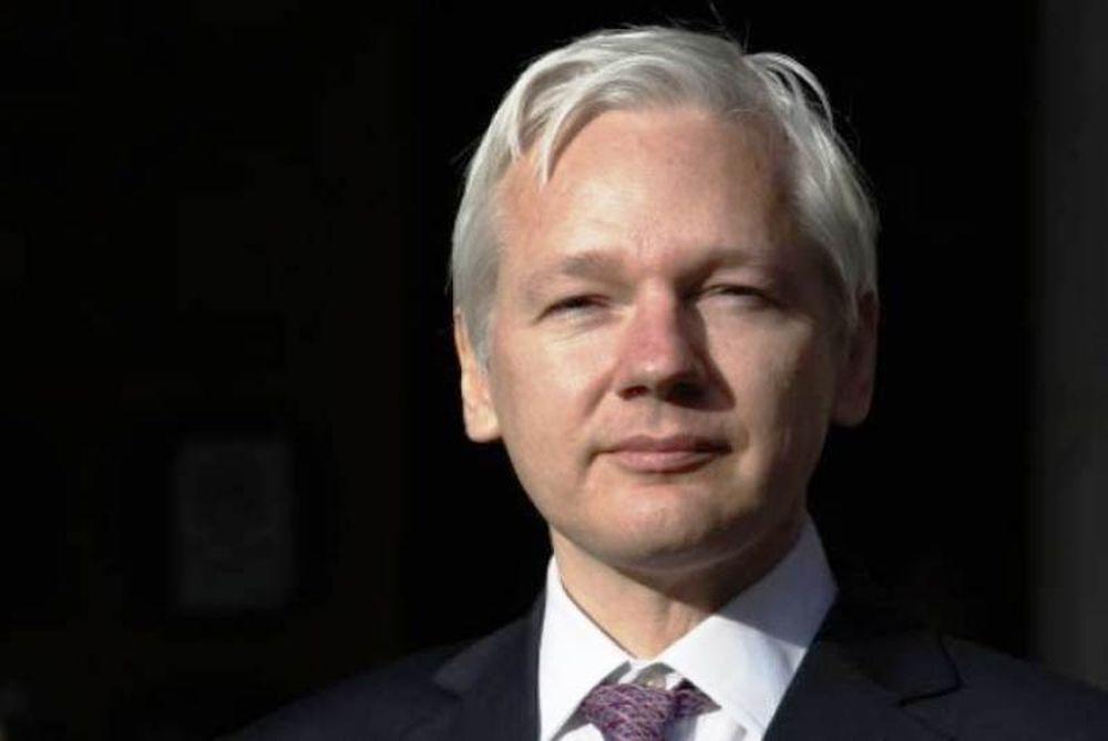 Ασάνζ προς ΗΠΑ: «Σταματήστε το κυνήγι μαγισσών εναντίον του Wikileaks»
