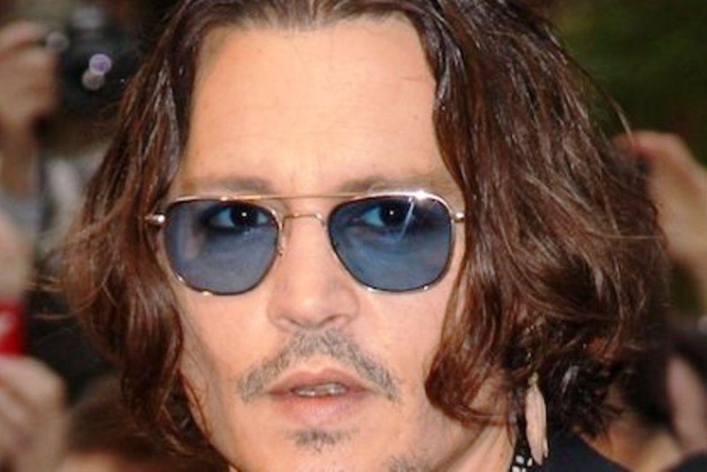 Ο Johnny Depp θέλει πίσω τη Vanesa Paradis (;)