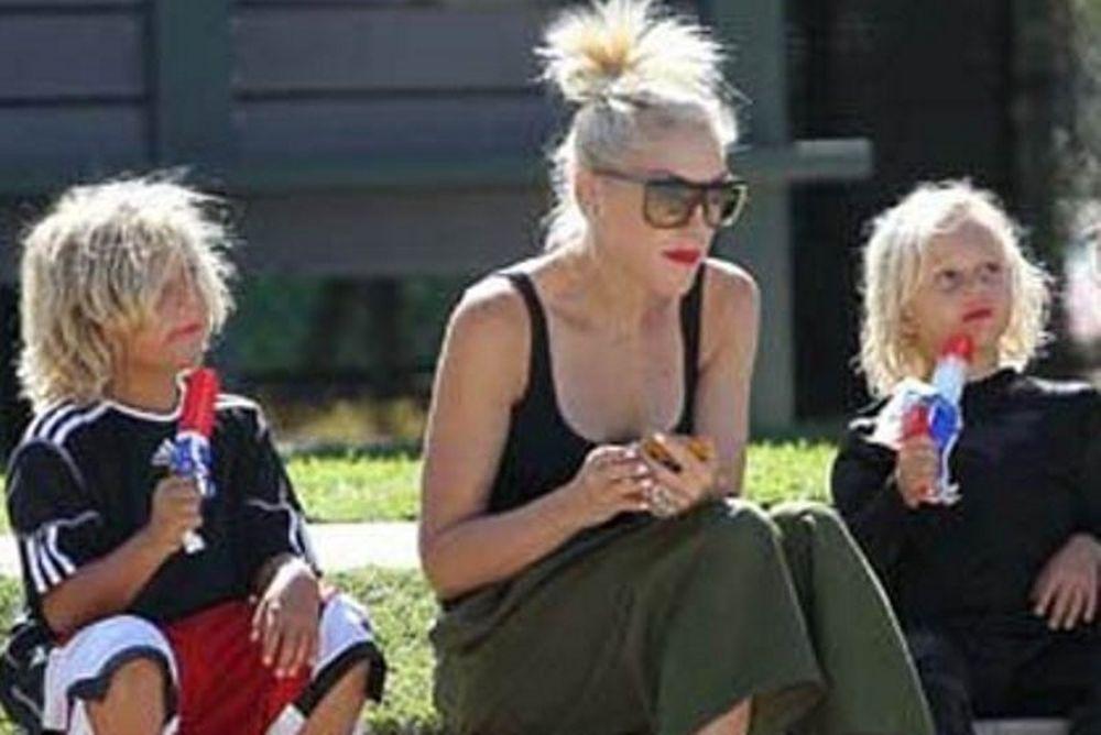 Η Gwen Stefani για παγωτό και παιχνίδι με τους γιους της Kingston και Zuma!
