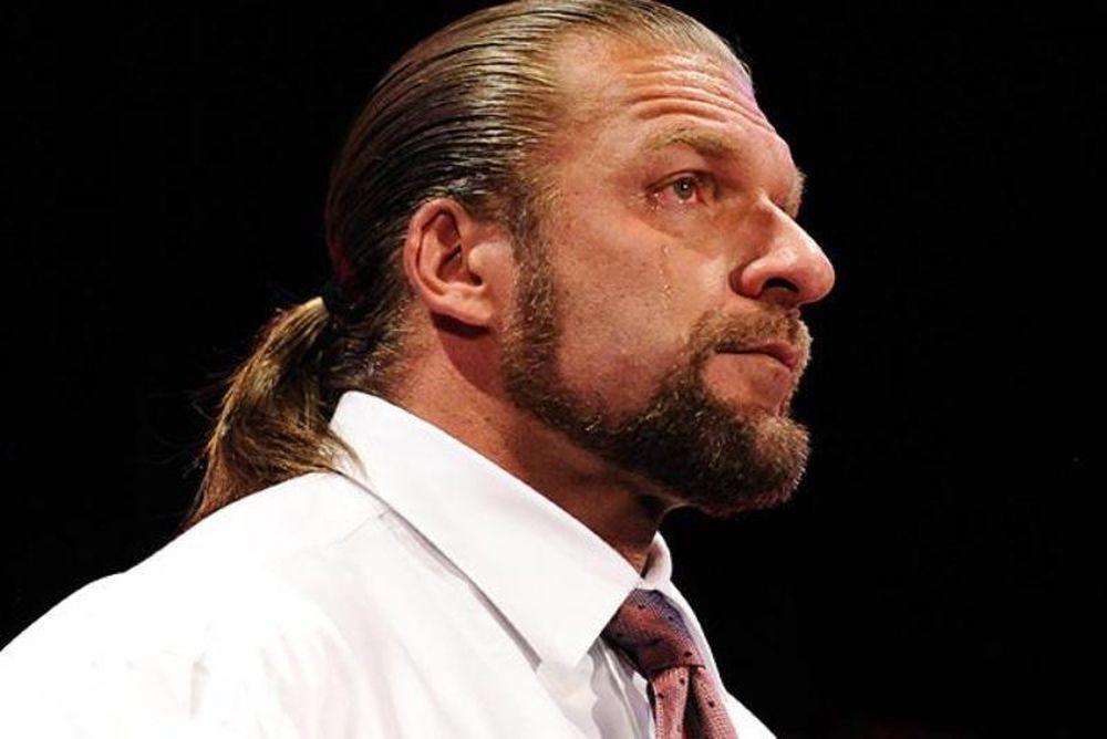 Ο αποχαιρετισμός του Triple H (video+photos)