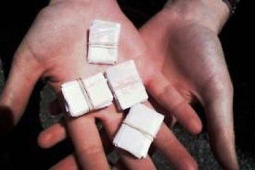 Είχε κρύψει μισό κιλό κοκαΐνη στο αιδοίο της