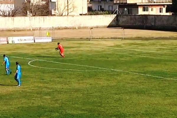Εθνικός Μελιγαλά: Το απίστευτο γκολ του τερματοφύλακα (video)