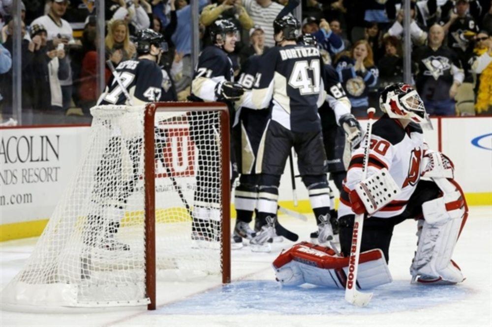 NHL: «5άρα» για Πένγκουινς (videos)