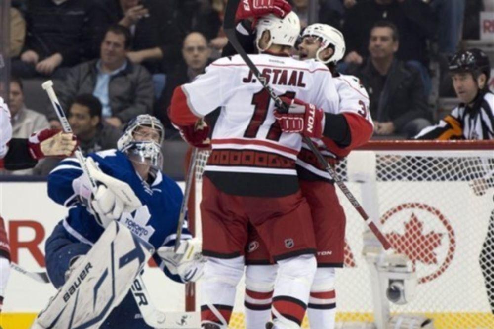 NHL: Δούλεψαν τα αδέρφια Staal στο Τορόντο (videos)