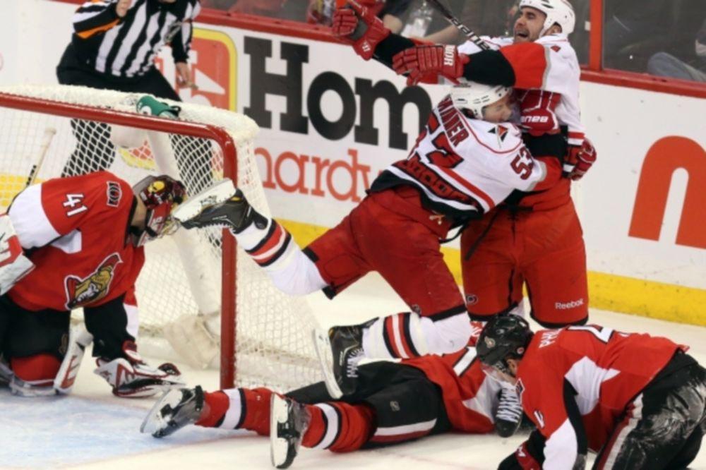 NHL: Η βραδιά του Jay Harrison (videos)