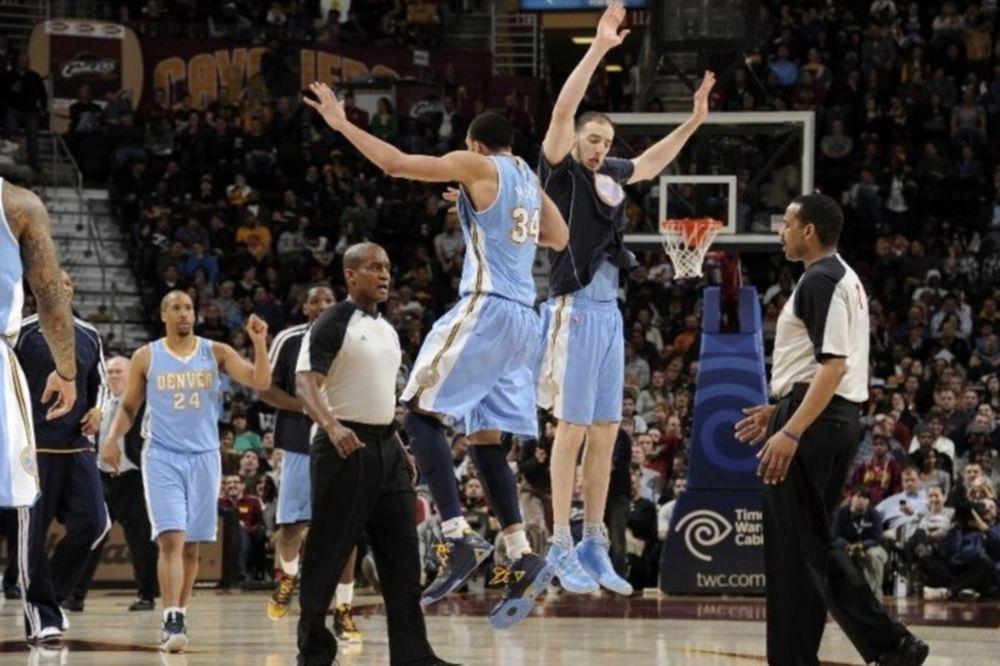 NBA: Πάνω οι Νάγκετς, κάτω οι Ουόριορς (videos)