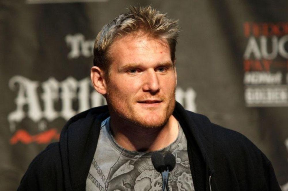 UFC: Ανοιχτή η πόρτα για Barnett