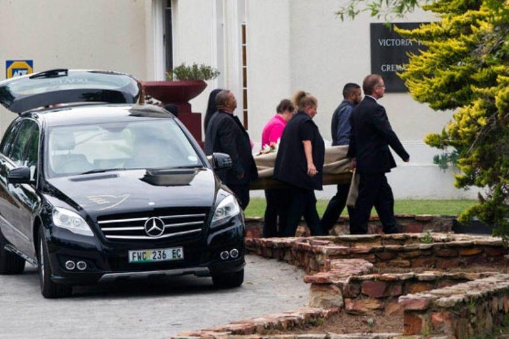 Η κηδεία της μνηστής του Πιστόριους (video)
