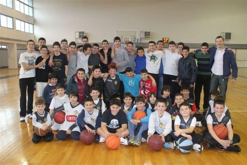 Πιερικός Αρχέλαος: Η ακαδημία τίμησε τον προπονητή, Βασίλη Τσερνισώφ (photos)