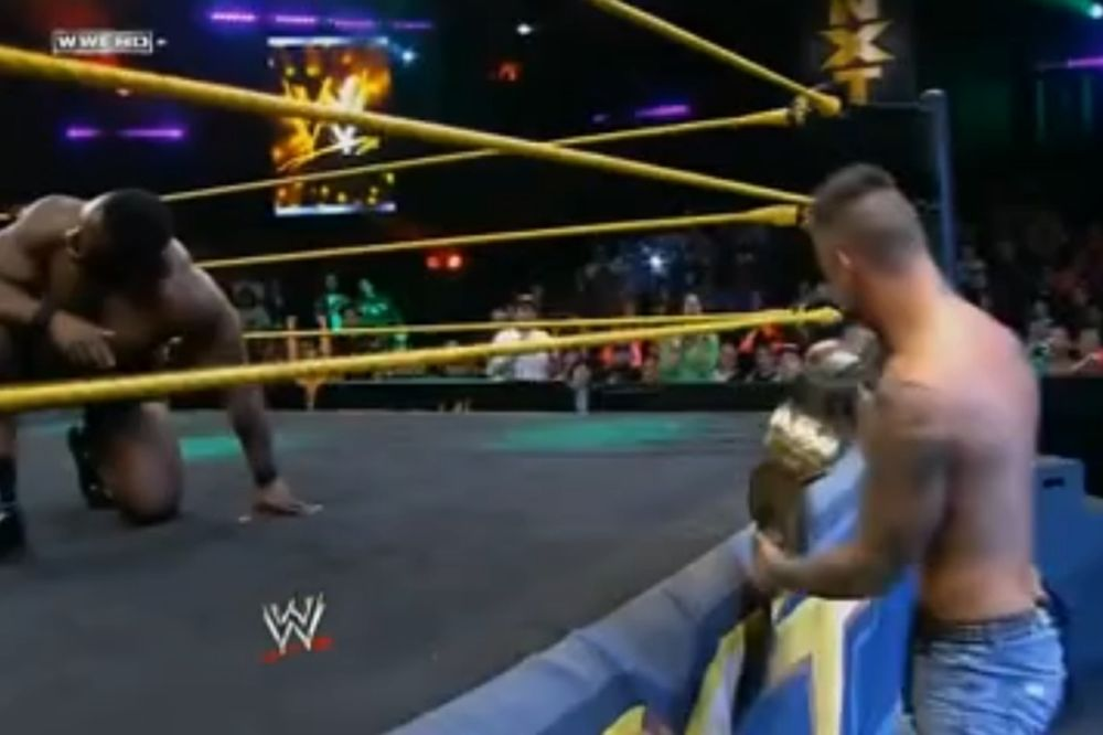 NXT: «Κλέφτης» ο Corey Graves (videos)