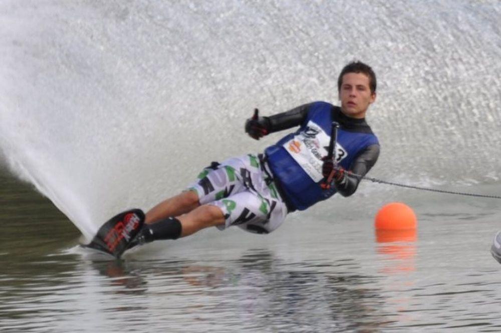 Θαλάσσιο Σκι: Παγκόσμιος Πρωταθλητής ο Ναθαναήλ