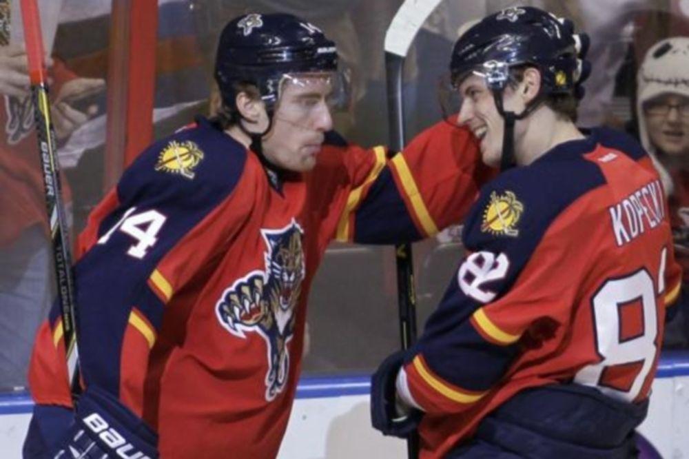 NHL: Παρθενικό χατ τρικ για Kopecky (videos)