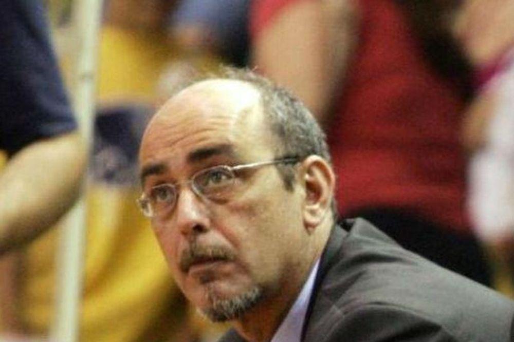 «Αφιερωμένο στον Έλληνα προπονητή»