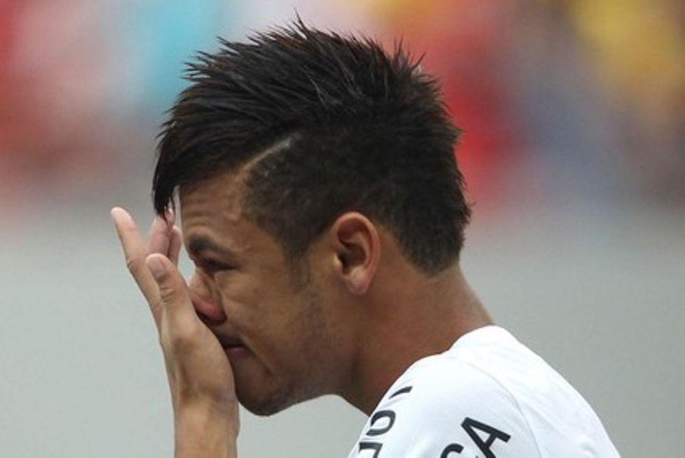 Σάντος: Έκλαψε στο «αντίο» ο Νεϊμάρ (video)