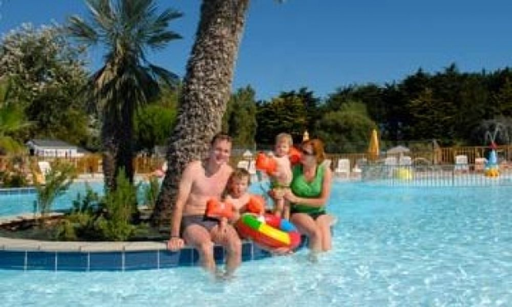Προσοχή όταν βάζετε παιδιά στην πισίνα
