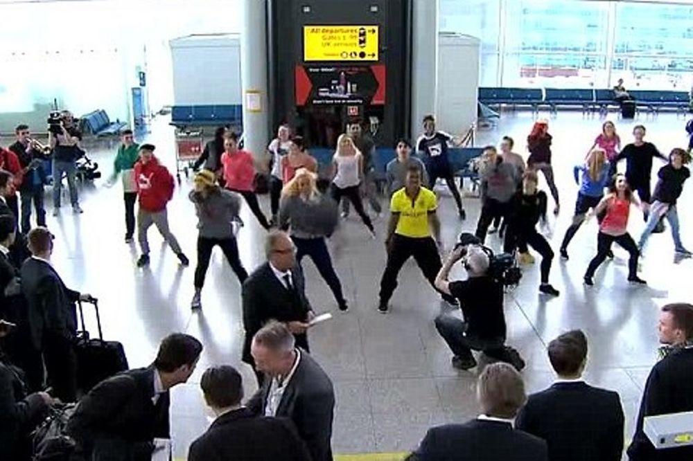 Μπορούσια Ντόρτμουντ: Η έκπληξη στο αεροδρόμιο (video)