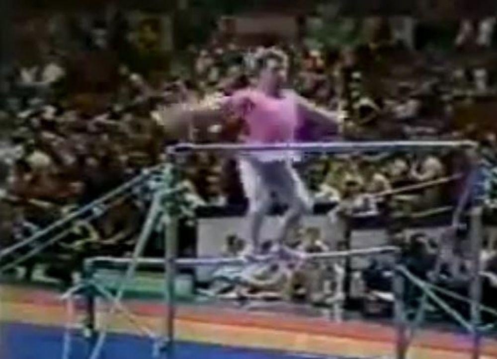 Ενα τρελό... ροζ σόου στους ασύμμετρους ζυγούς (βίντεο)