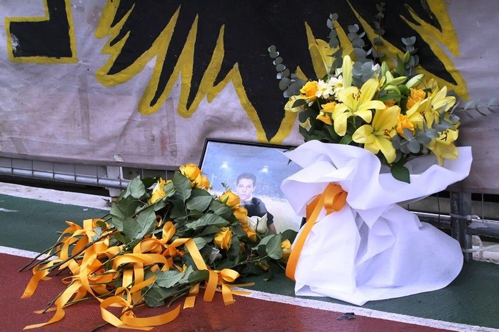 ΑΕΚ – ΠΑΟ Κρουσώνα: Τίμησαν τον Θέμη (photos)