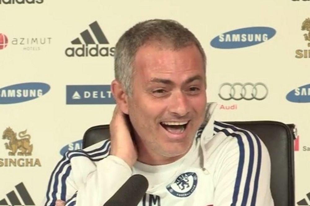 Τσέλσι: Το... σατανικό γέλιο του Μουρίνιο για τον Ρούνεϊ! (video)