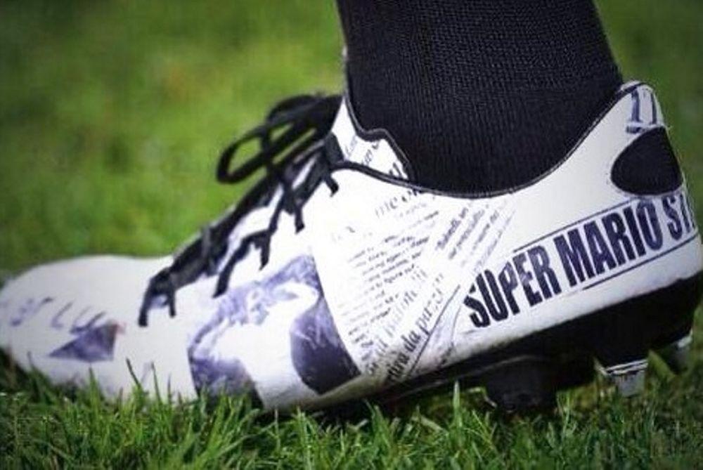 Μίλαν: Παπούτσια από… εφημερίδα ο Μπαλοτέλι! (photos)