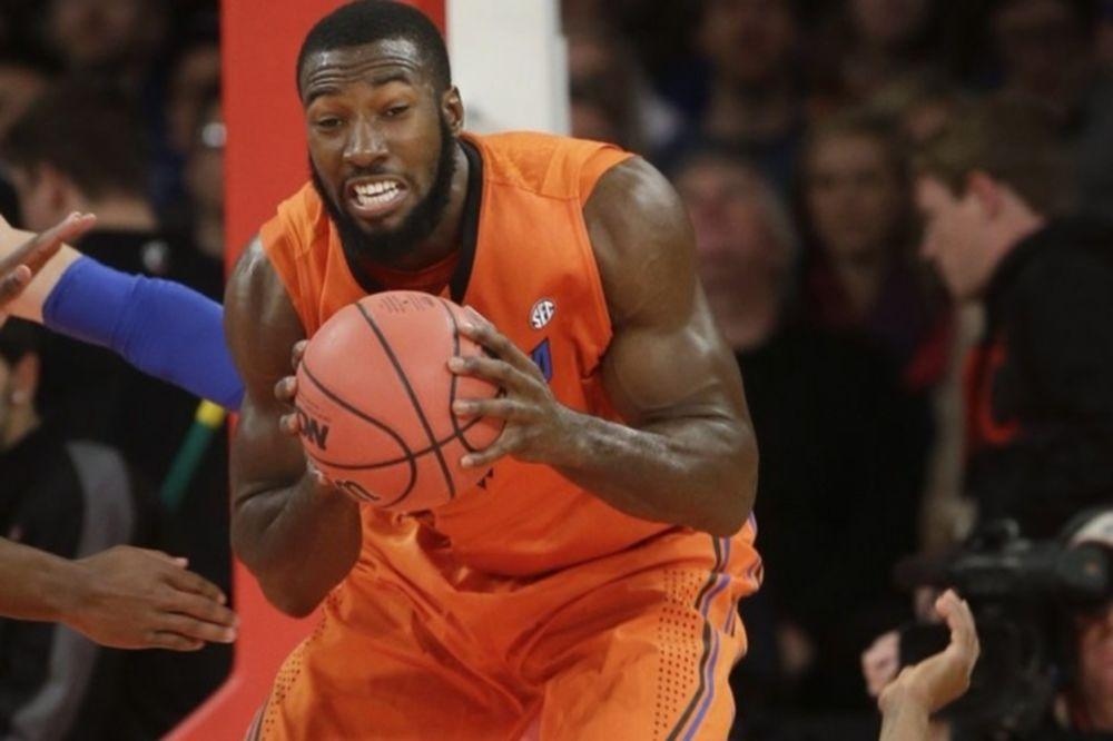NCAA: Σπουδαία νίκη για Φλόριντα (videos)