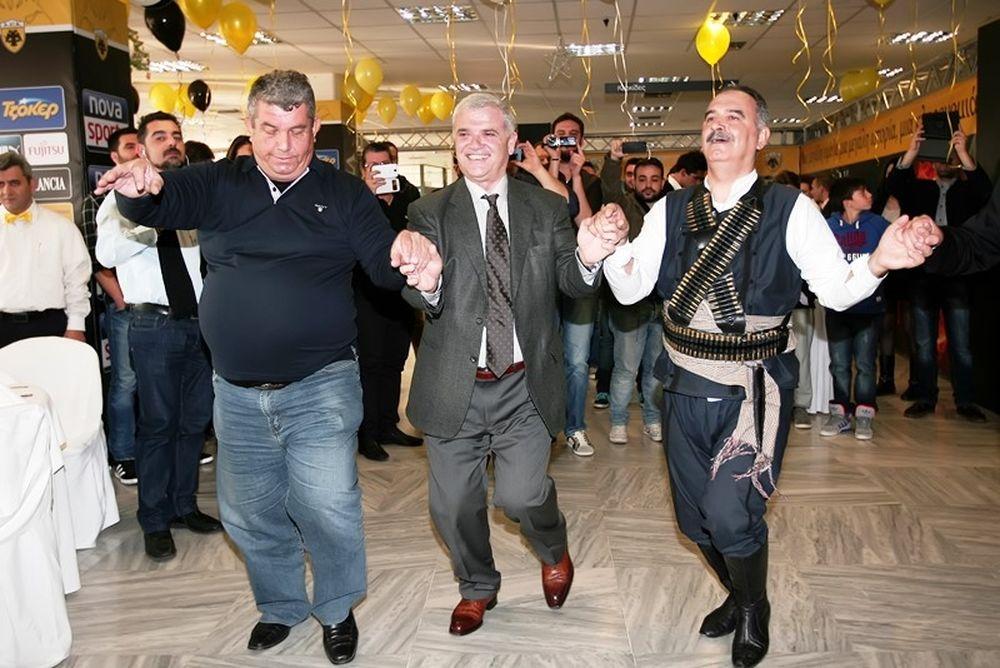 ΑΕΚ: Ο ποντιακός χορός του Μελισσανίδη (photos)