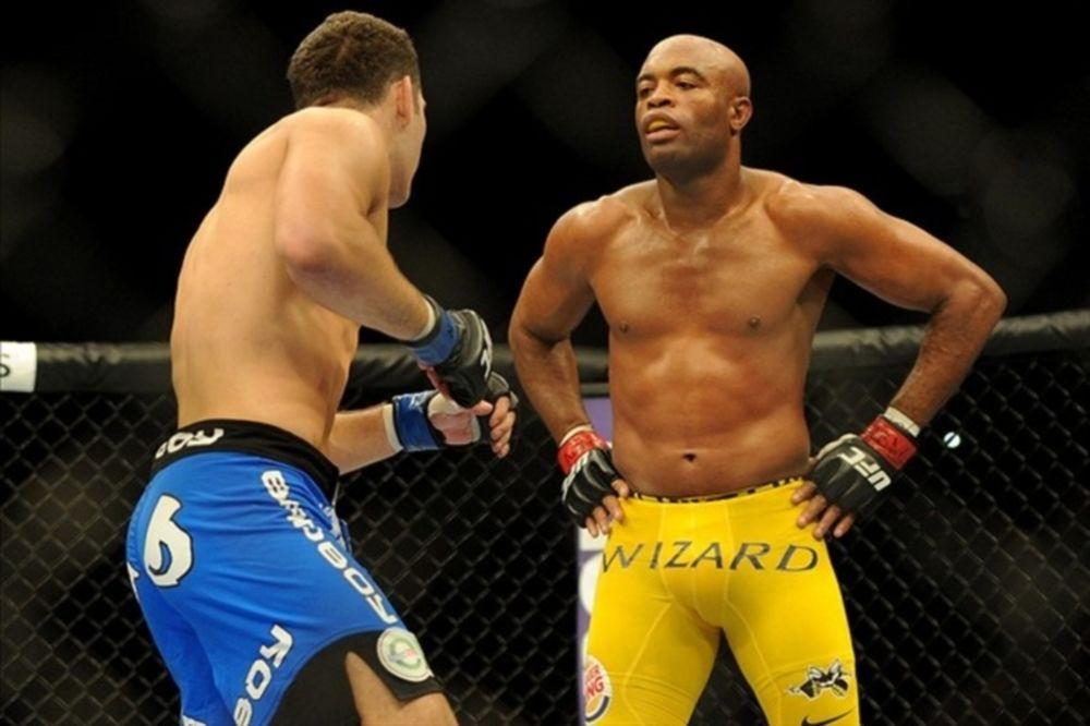 UFC 168: Ακόμα απολογείται ο Anderson Silva