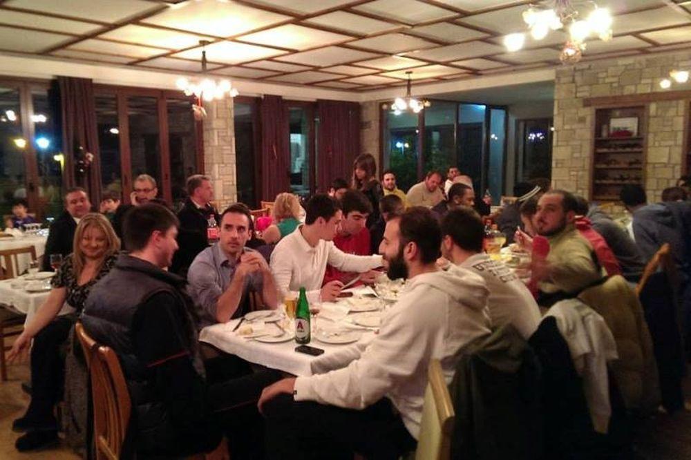 Τρίκαλα: Το εορταστικό δείπνο (photos)