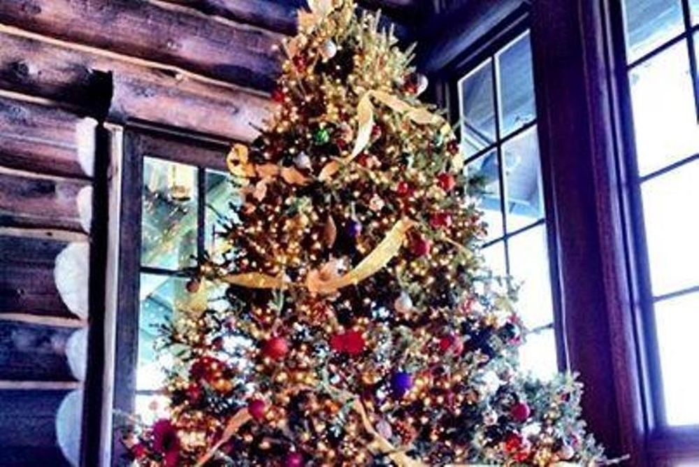 Μερσέντες: Τα Χριστούγεννα του Χάμιλτον (photos)