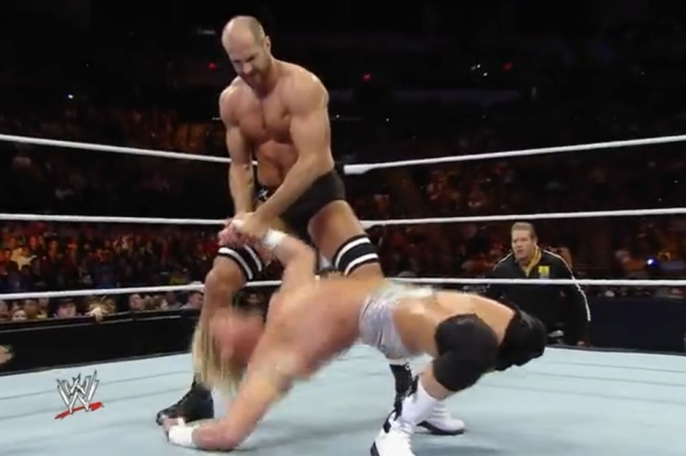 Superstars: «Καθάρισε» ο Cesaro (video)