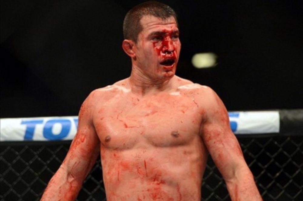 UFC: Δεν «κόβεται» ο Voelker