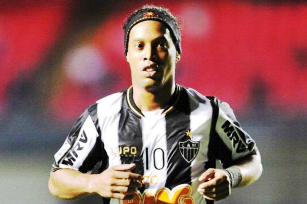 Μπεσίκτας: «Θέλουμε τον Ροναλντίνιο»