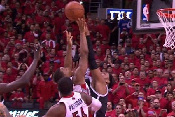 NBA Top 5: Το... buzzer beater μπλοκ του Πιρς (video)